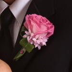 pink-rose-boutonniere-04.jpg (16 KB)